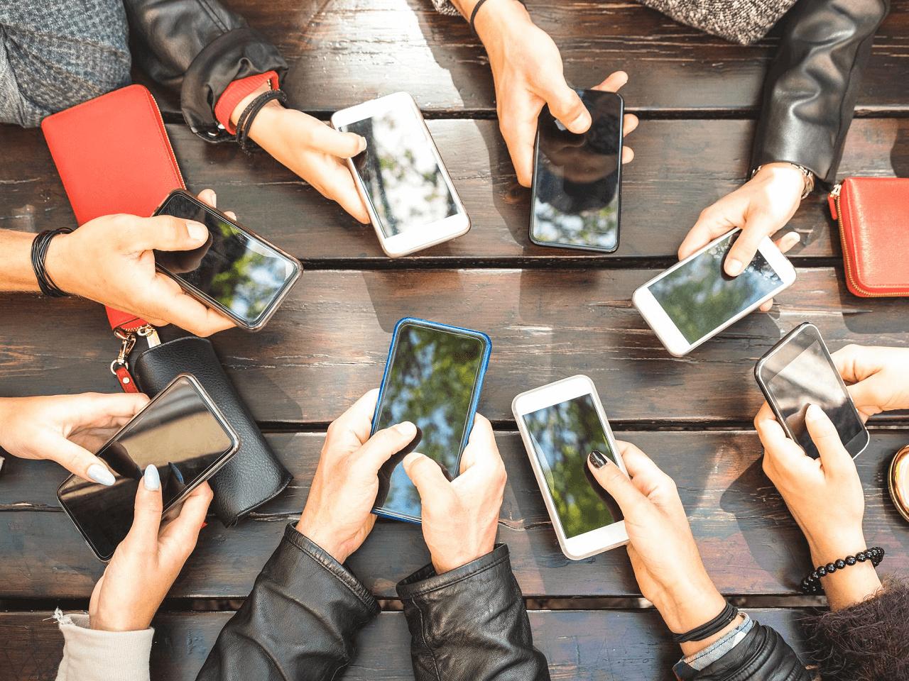 Cep Telefonu İthalatındaki Gözetim Uygulamasına İstisnalar Getirildi