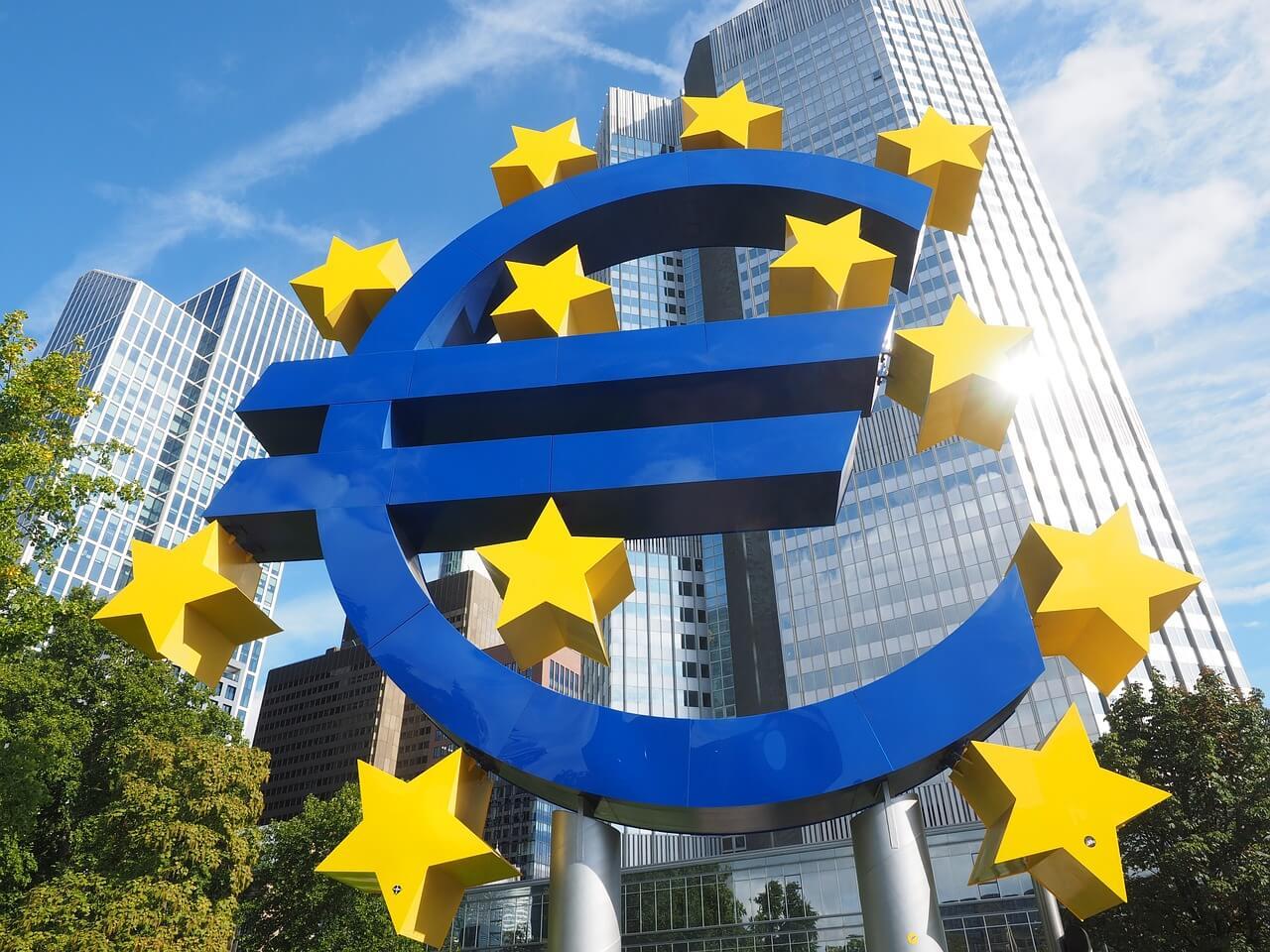 ECB Sıkı Para Politikasına Aşamalı Geçmeyi Planlıyor