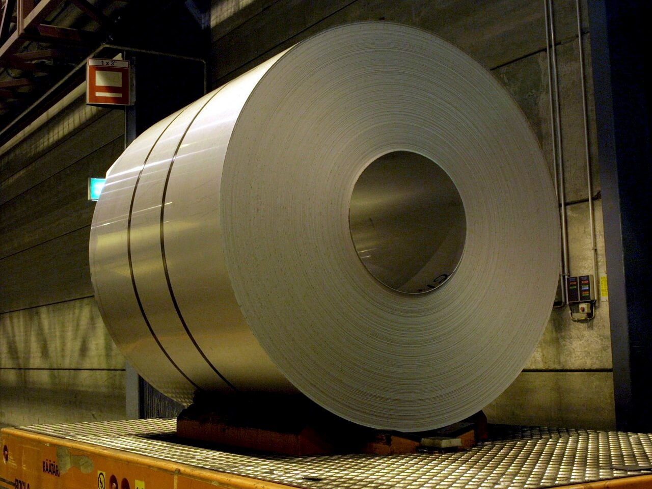 AB Sıcak Haddelenmiş Çelik İthalatına Damping Soruşturması Açtı