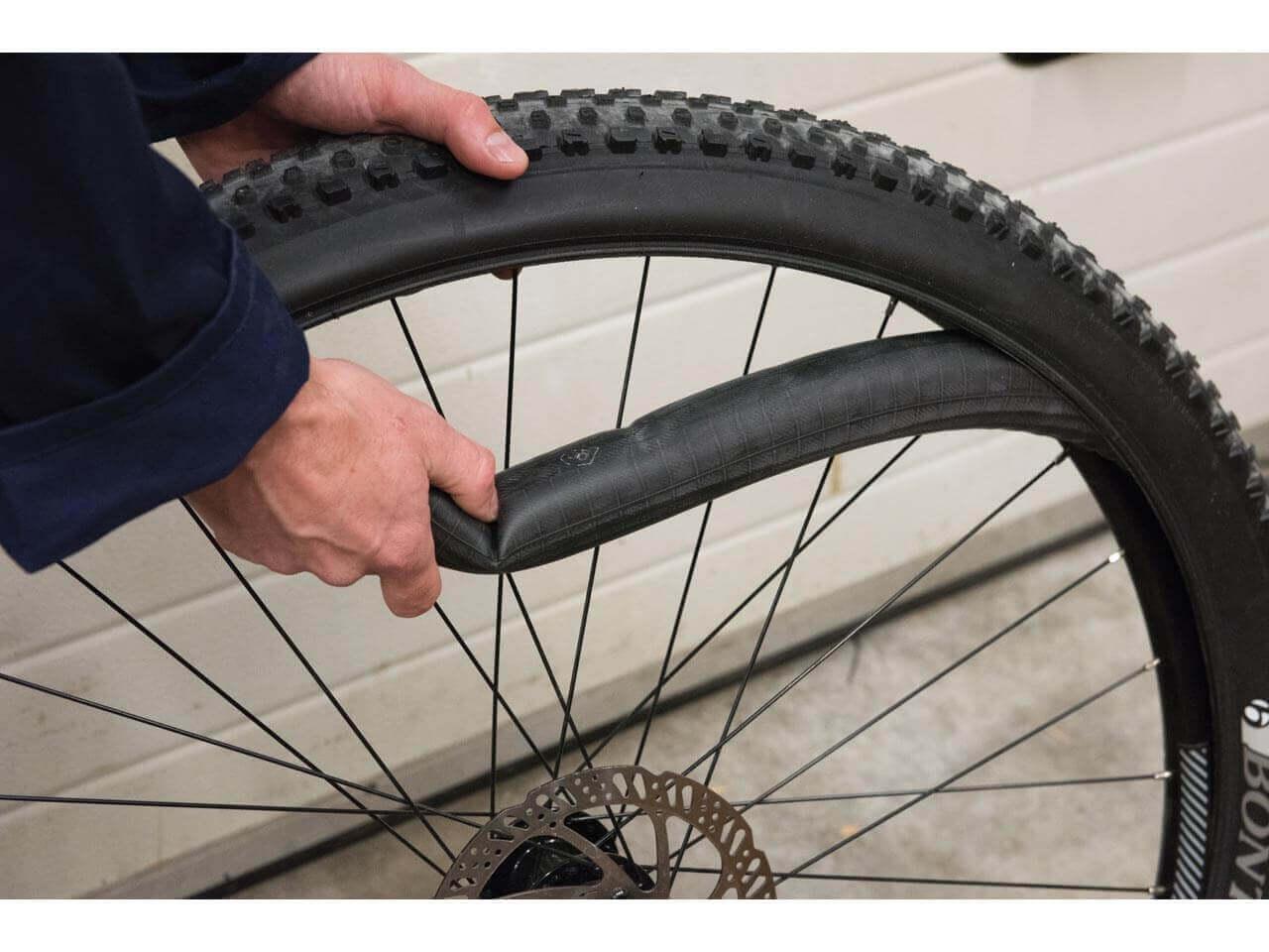 Laos Menşeli Bisiklet Lastikleri Soruşturması
